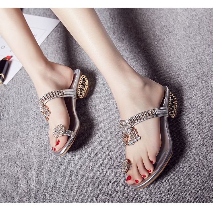 giay sandal nu big size