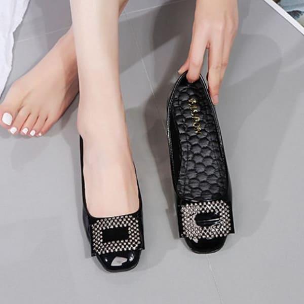 giày nữ cho người chân to