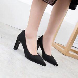 giày cỡ lớn